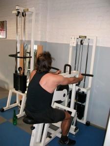 Rowing machine pour l'épaisseur du dos