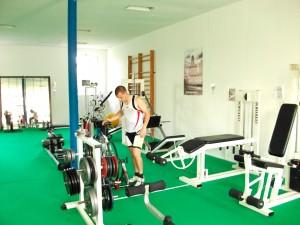 une-salle-de-musculation-bien-equipee