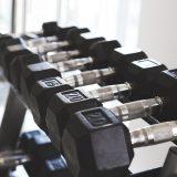 Il serait préférable d'entraîner les grands groupes musculaires en premier