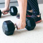 Une série légère à l'échec avant l'entraînement: plus de force, plus de masse musculaire