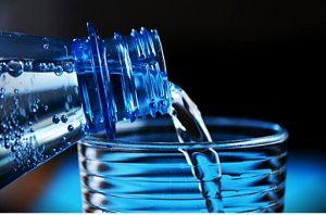 Un corps hydraté brûle plus de graisses et moins de protéines