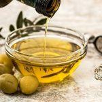 La peau vieillirait moins vite avec de l'huile d'olive