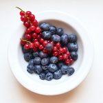 Les effets de la pomme et des fruits rouges sur la longévité se renforcent l'un l'autre